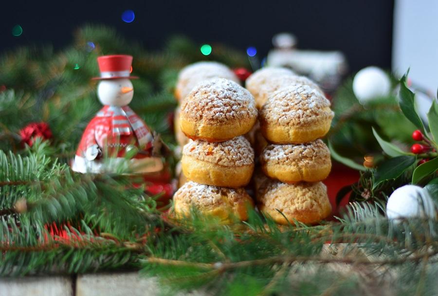 bûche de Noël en choux au citron et au safran